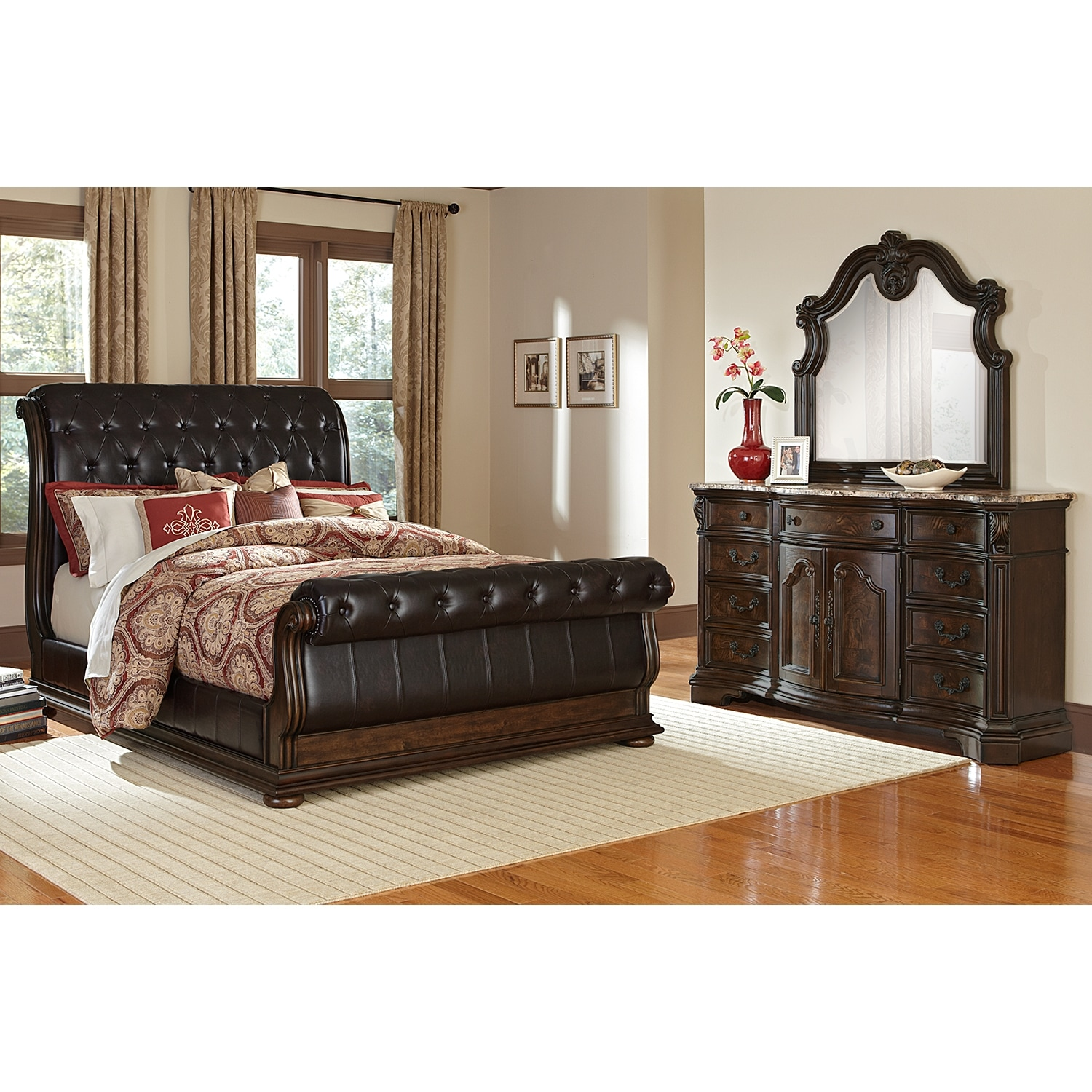 Superbe Monticello 5 Piece Queen Upholstered Sleigh Bedroom Set   Pecan