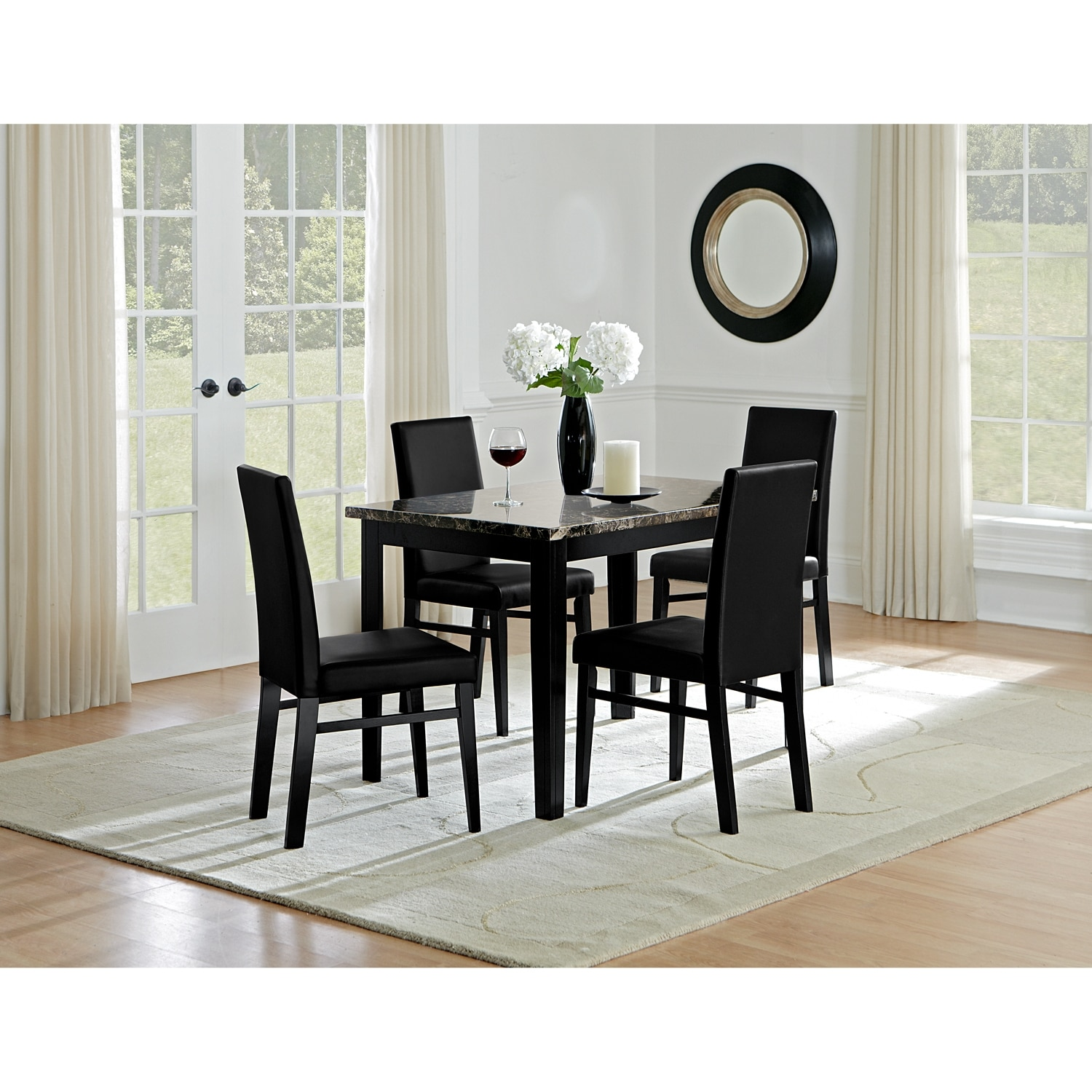 4 Chairs In Dining Room: Shadow Table And 4 Chairs - Black
