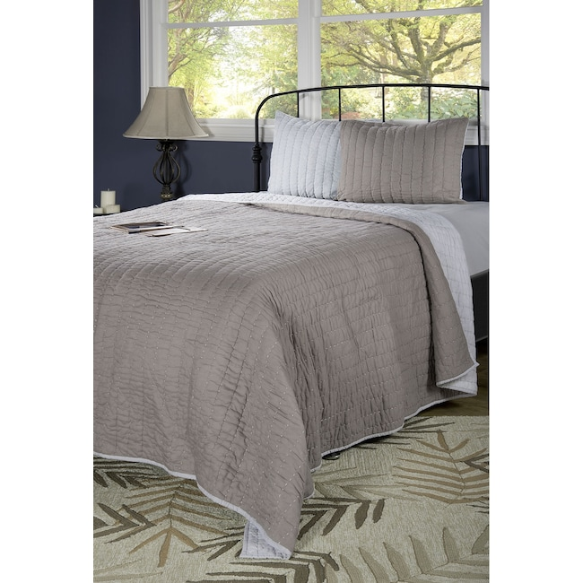 Accent and Occasional Furniture - Gracie King Quilt - Gray and Silver