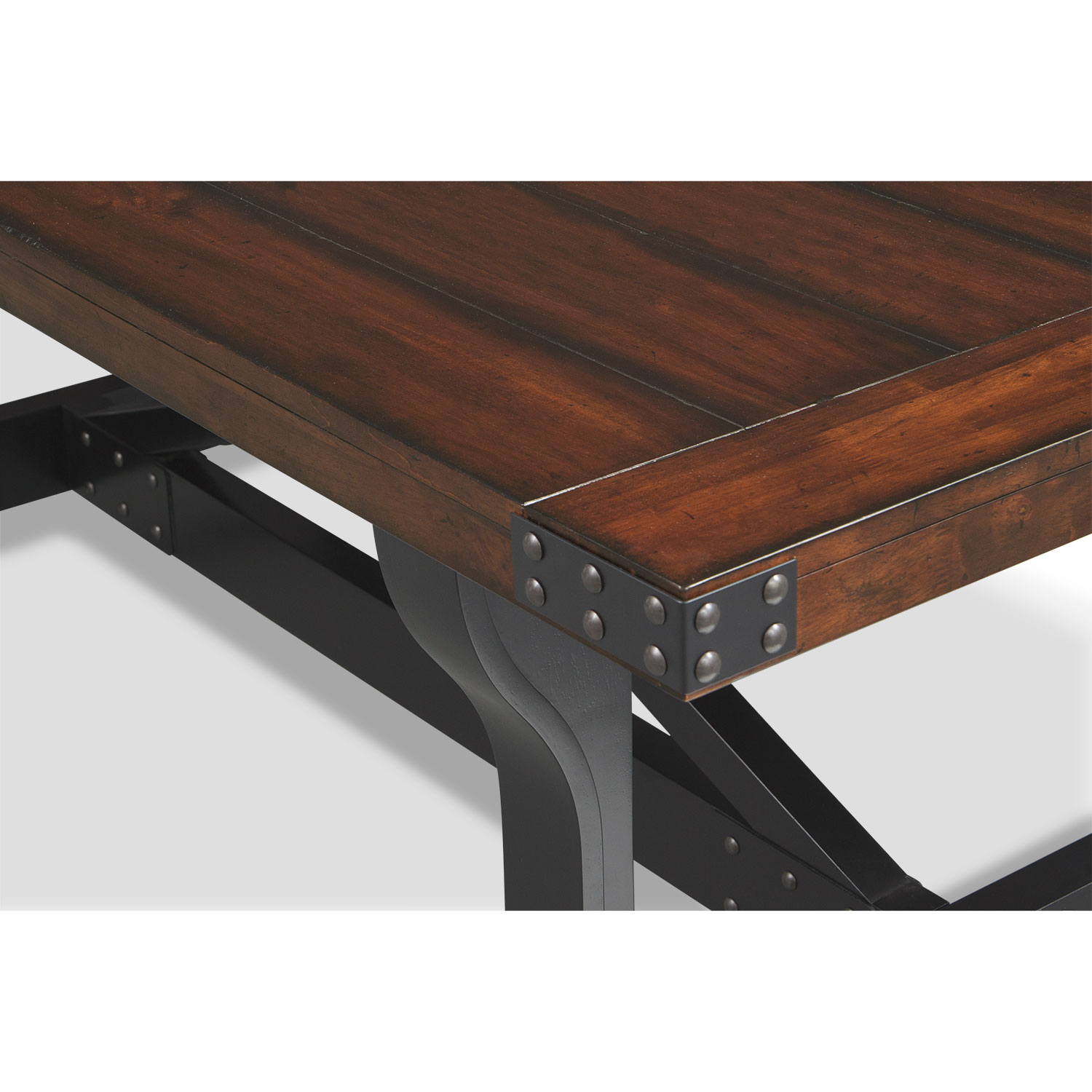 Newcastle Dining Table   Mahogany By American Signature