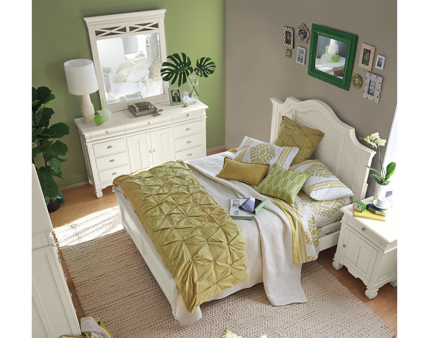 The Plantation Cove Panel Bedroom Collection - White