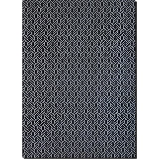 Sonoma 5' x 8' Area Rug - Navy and White Chain-Link