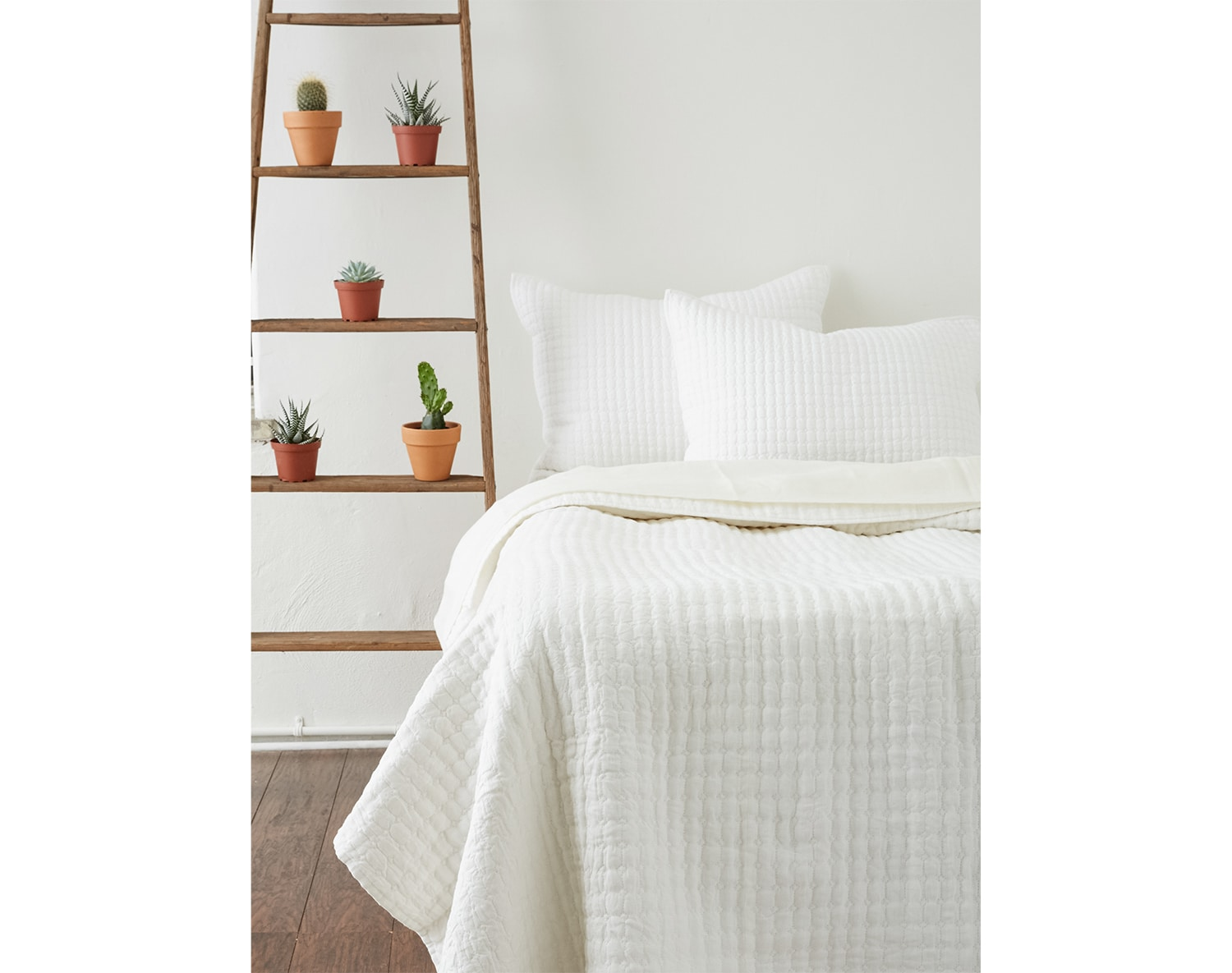The Catalina Bedding Collection - White
