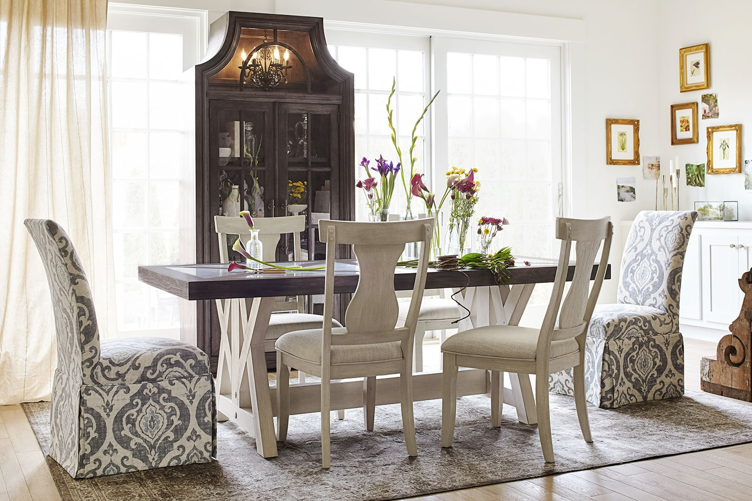Gentil The Lancaster Farmhouse Dining Collection