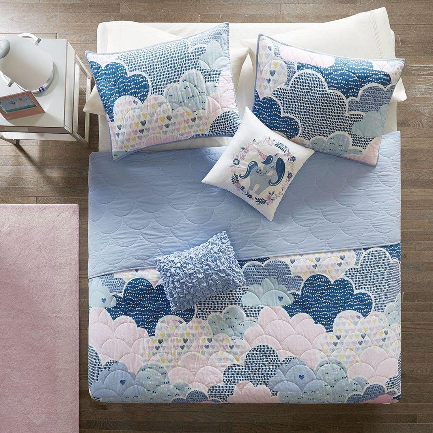 Accent and Occasional Furniture - Cloud Bedding Set