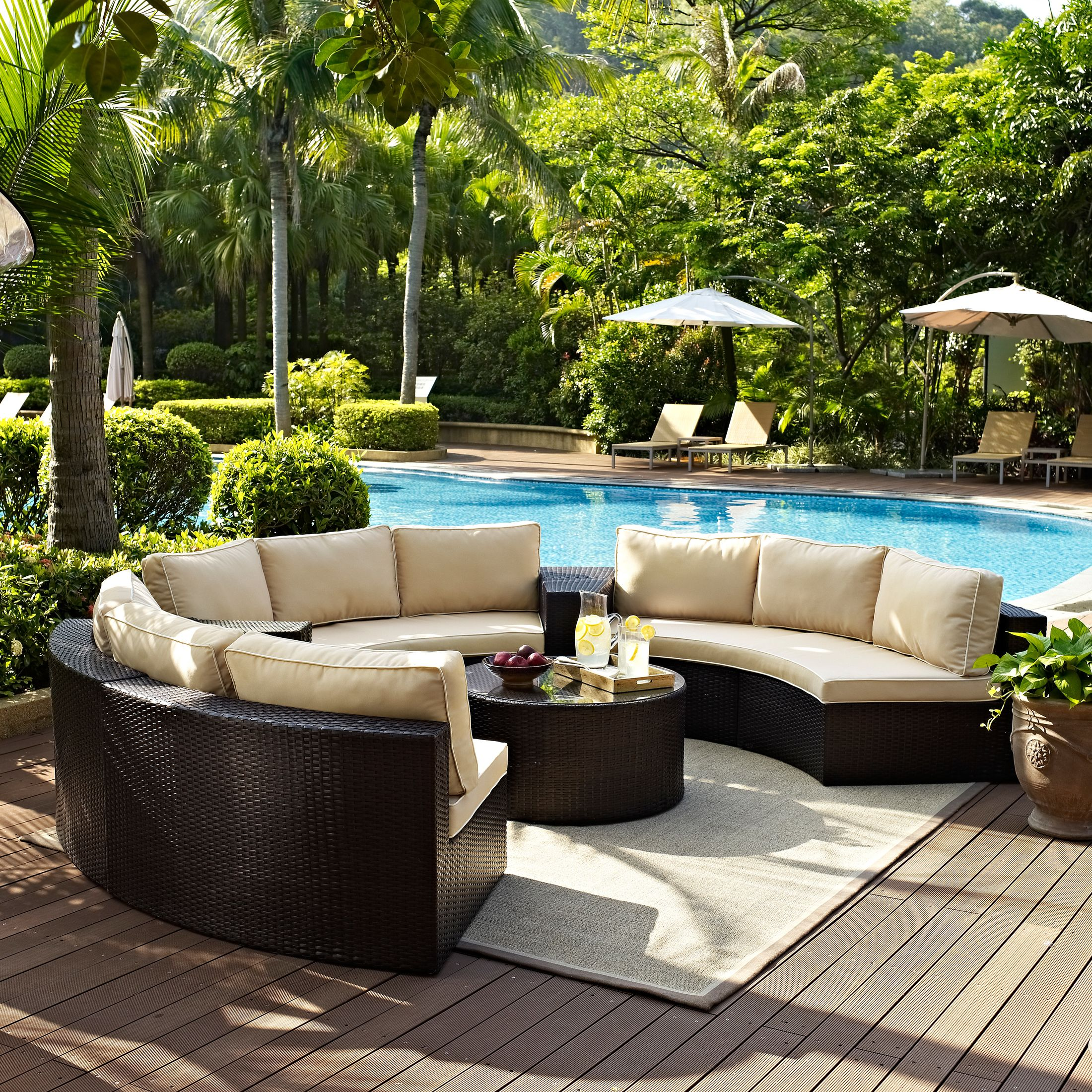 Outdoor Furniture - Huntington 5-Piece Outdoor Sectional and Coffee Table Set