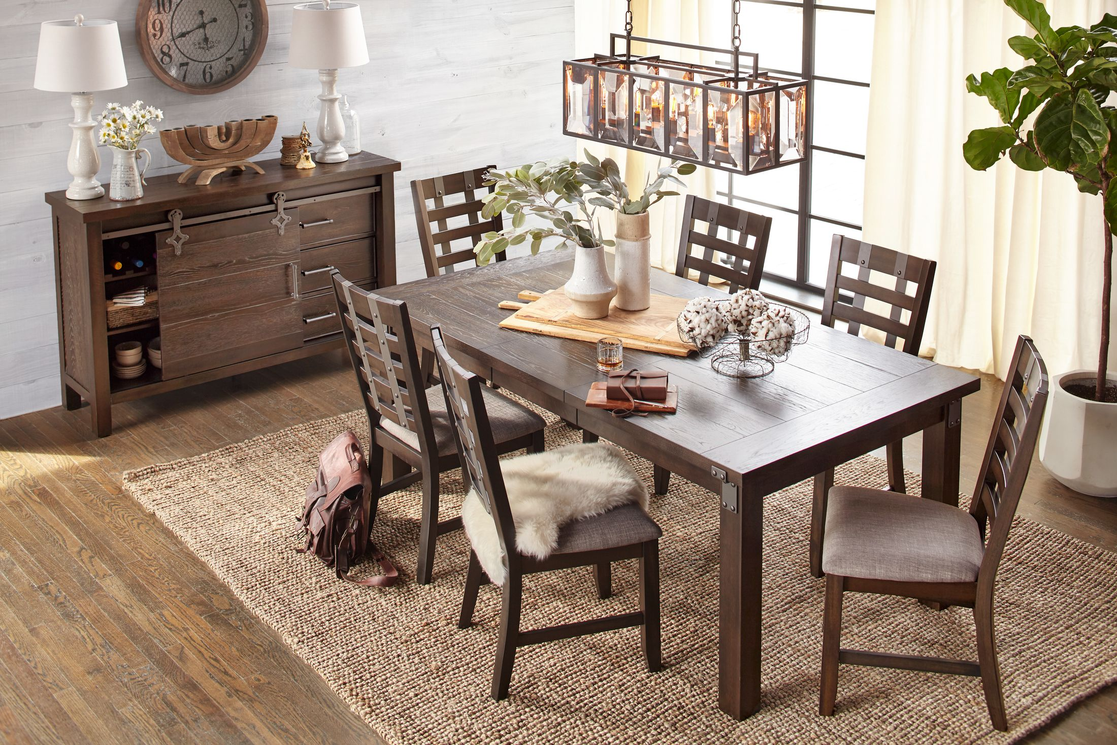 The Hampton Dining Collection Value City Furniture And Mattresses